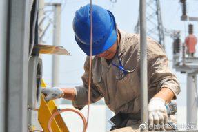 金湖县供电公司对主变压器进行检修工作