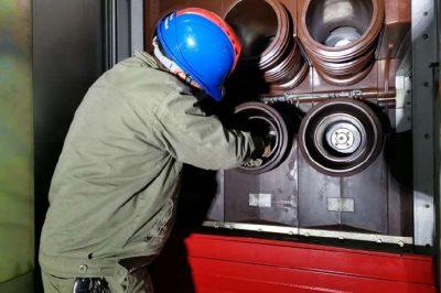 110千伏南坪变电站内开关柜母线室放电隐患缺陷